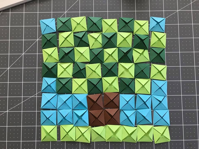 And then you need to join the pixels to fold them on the back. And you're done!