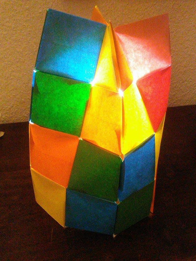 Another view of the origami pixels lampshade.