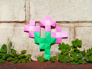 Low-tech augmented reality: origami pixels flowers!